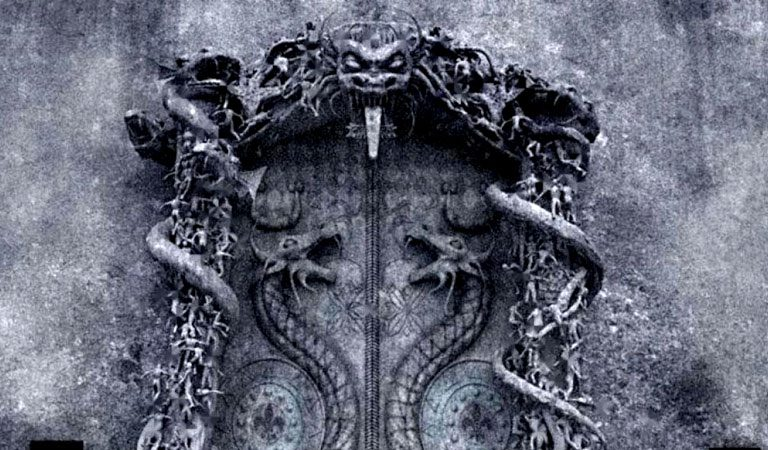 Secrets of The Mysterious SEALED Door of The Ancient Padmanabhaswamy Temple