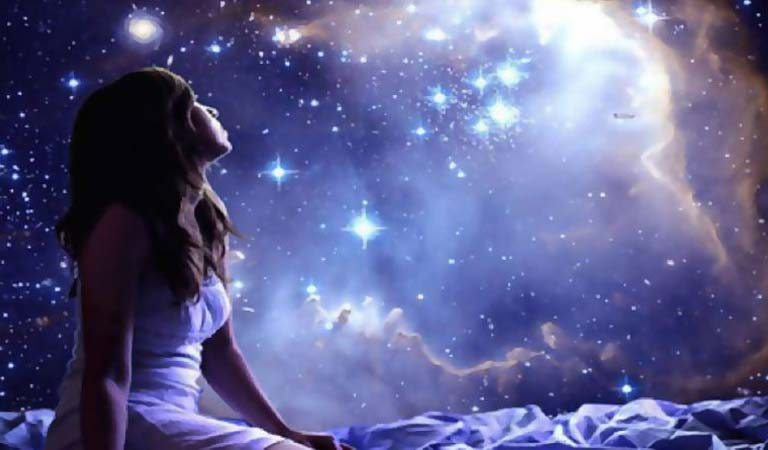Here's 7 Things Highly Sensitive And Intuitive People Can Do To Get A Deeper Sleep
